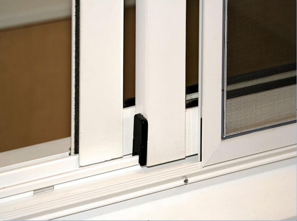 Фурнитура для раздвижных створок балкон алюминиевым профилем.