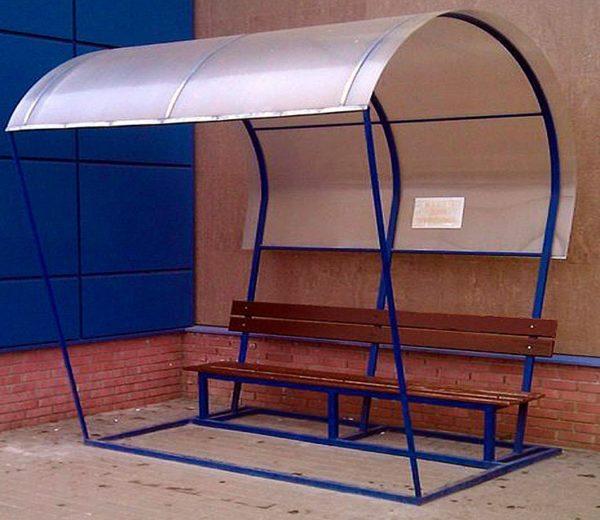 Конструкция навесов из металлопрофиля над скамейкой