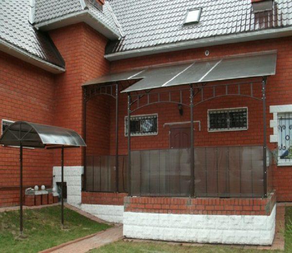 Прозрачная крыша на террасу из поликарбоната