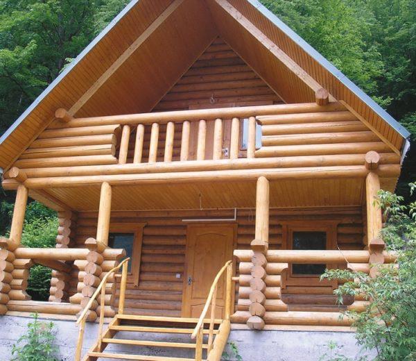 Декоративное ограждение террасы из дерева фото