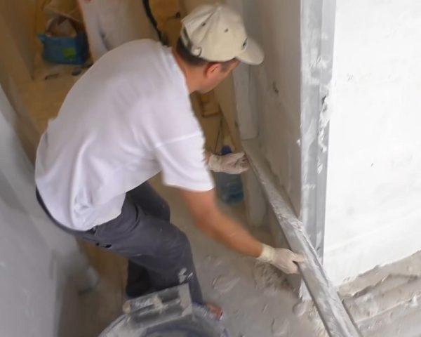 Как правильно штукатурить цементным раствором углы