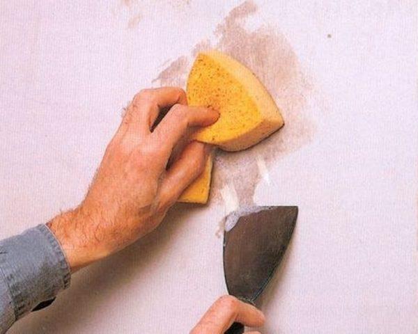 Как размыть потолок от побелки