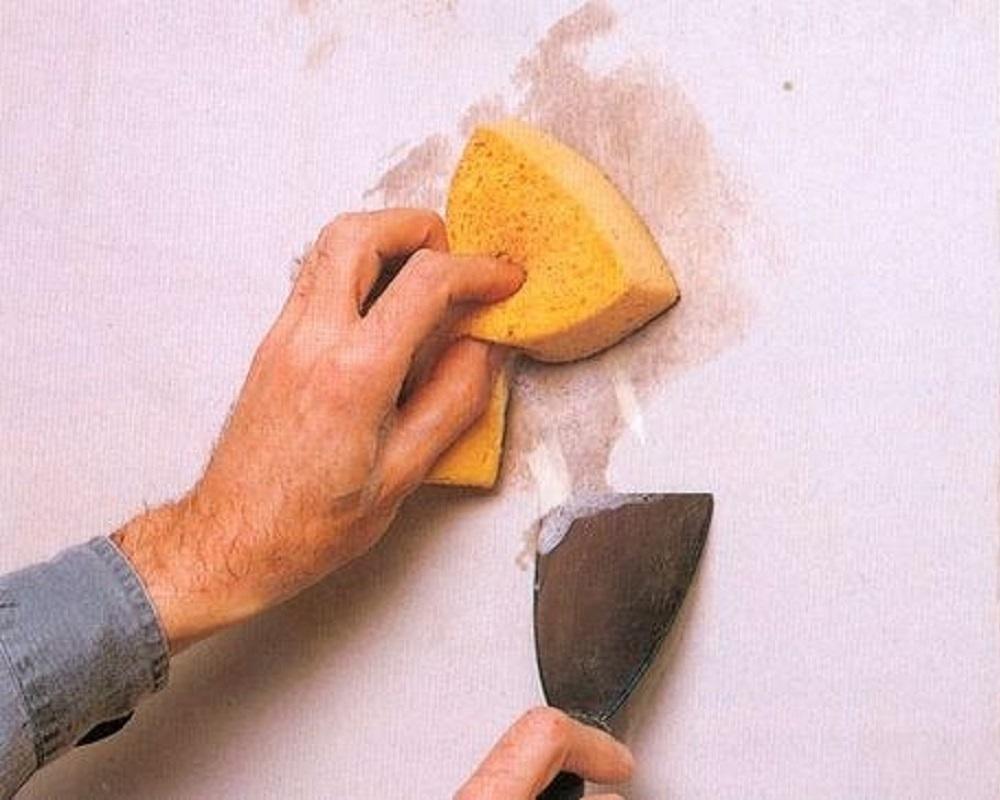 Как сдереть побелку со стен