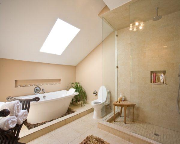 Ванная в мансарде дизайн