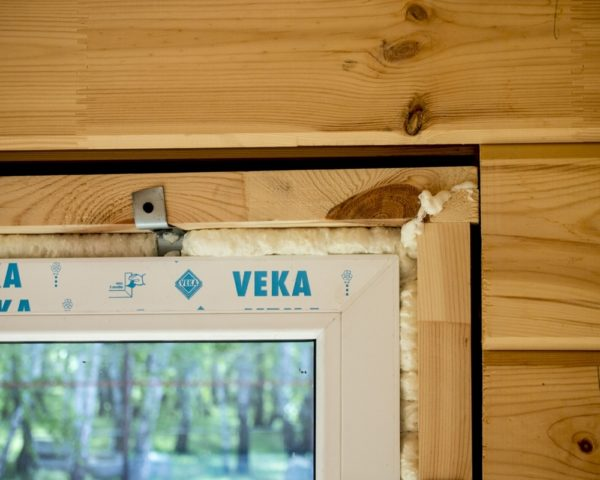 Пластиковые окна в деревянном доме фото