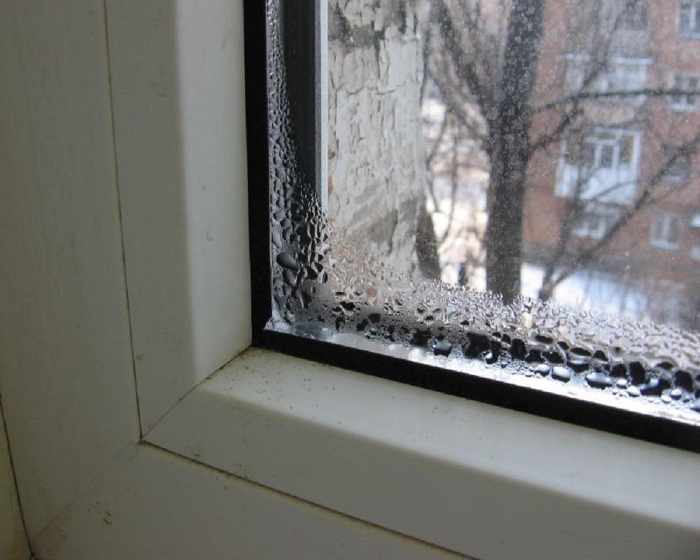 Почему потеют окна изнутри, что делать, как избавиться? отве.