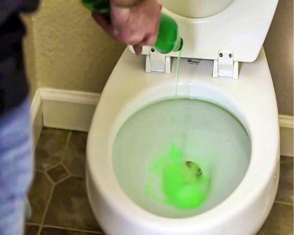 Как чистить туалет