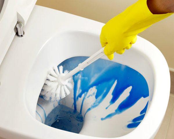 Как уничтожить запах в туалете