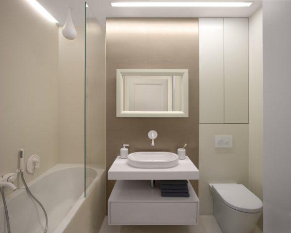 Интерьер ванны и туалета