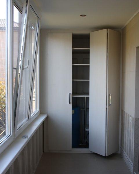 Встроенный шкаф для лоджии фото