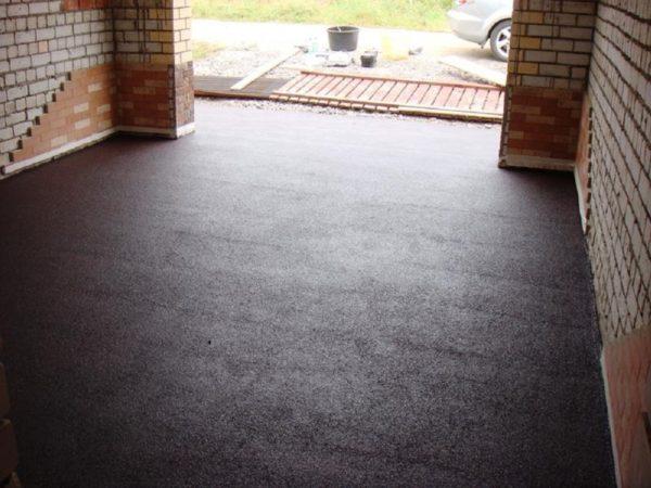 Бесшовное резиновое напольное покрытие для гаража