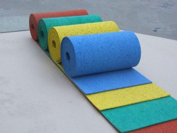 Рулонное резиновое покрытие для детских площадок технология укладки