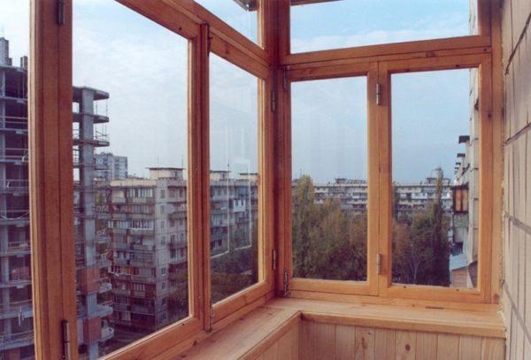 Остекление окон лоджий балконов деревом