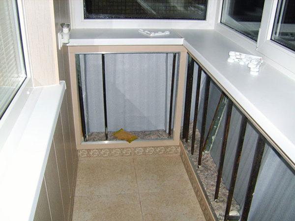 Варианты остекления балкона