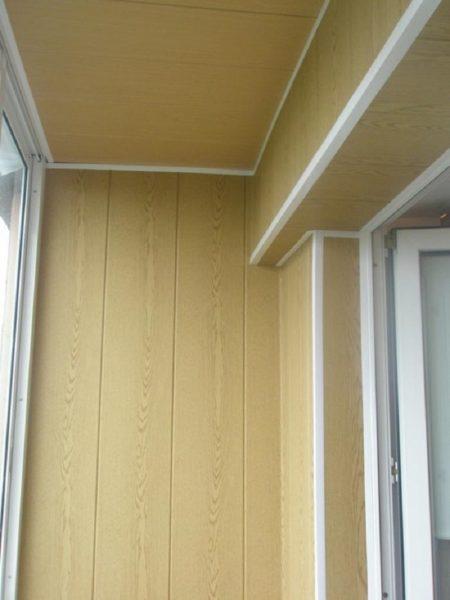 Можно самому отделать балкон панелями МДФ