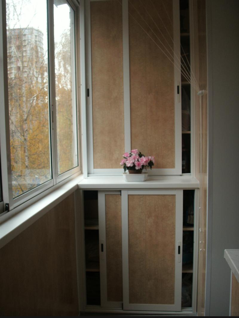 Как построить шкаф на балконе