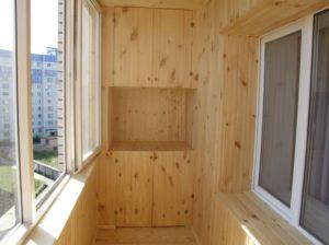 Отделка балкона вагонкой и МДФ панелями