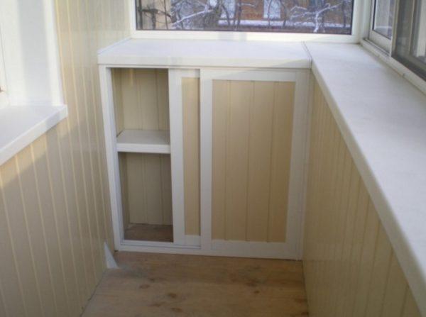 Ели самому лень делать шкаф то можно приобрести шкаф на балкон Икеа и вам останется только его установить