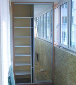 Делаем шкаф купе на балкон