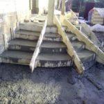 Полукруглое крыльцо из бетона фото